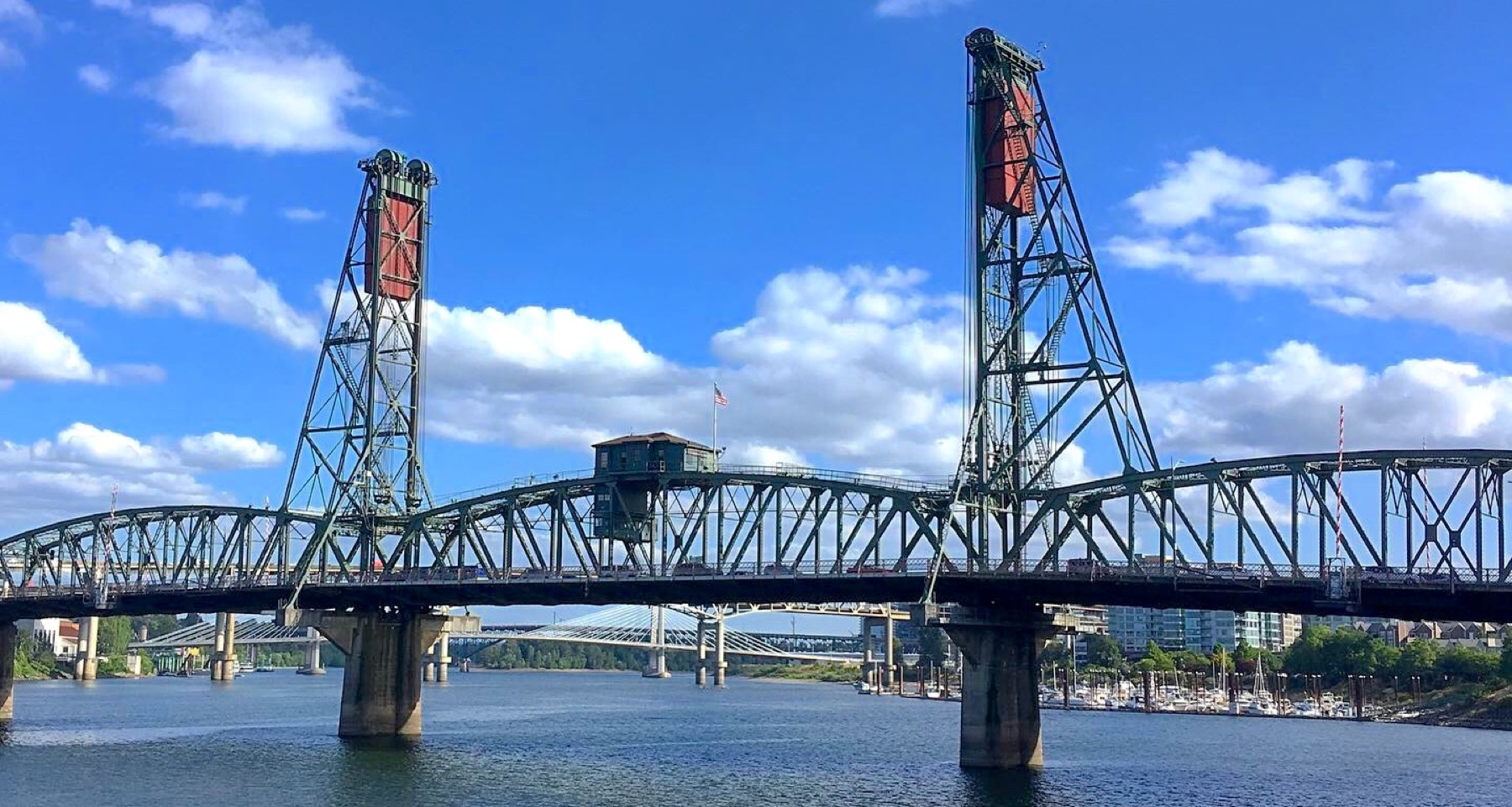 One section of the 421m-long Hawthorne bridge, leading to Hawthrone Boulevard - opened in 1910!