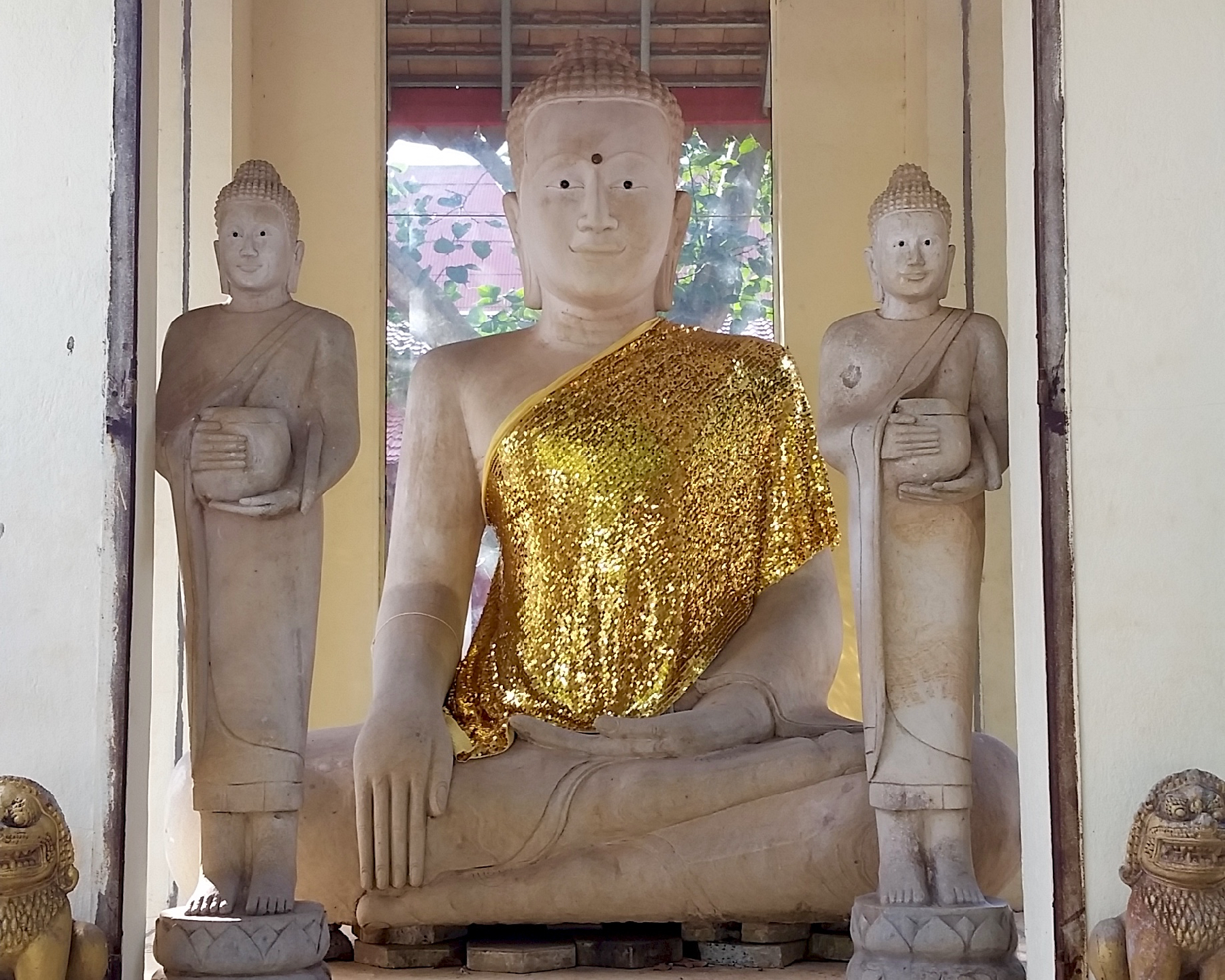 This Buddha is ready for a night on the town with the lads.